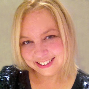 Melody Winter Author Photo